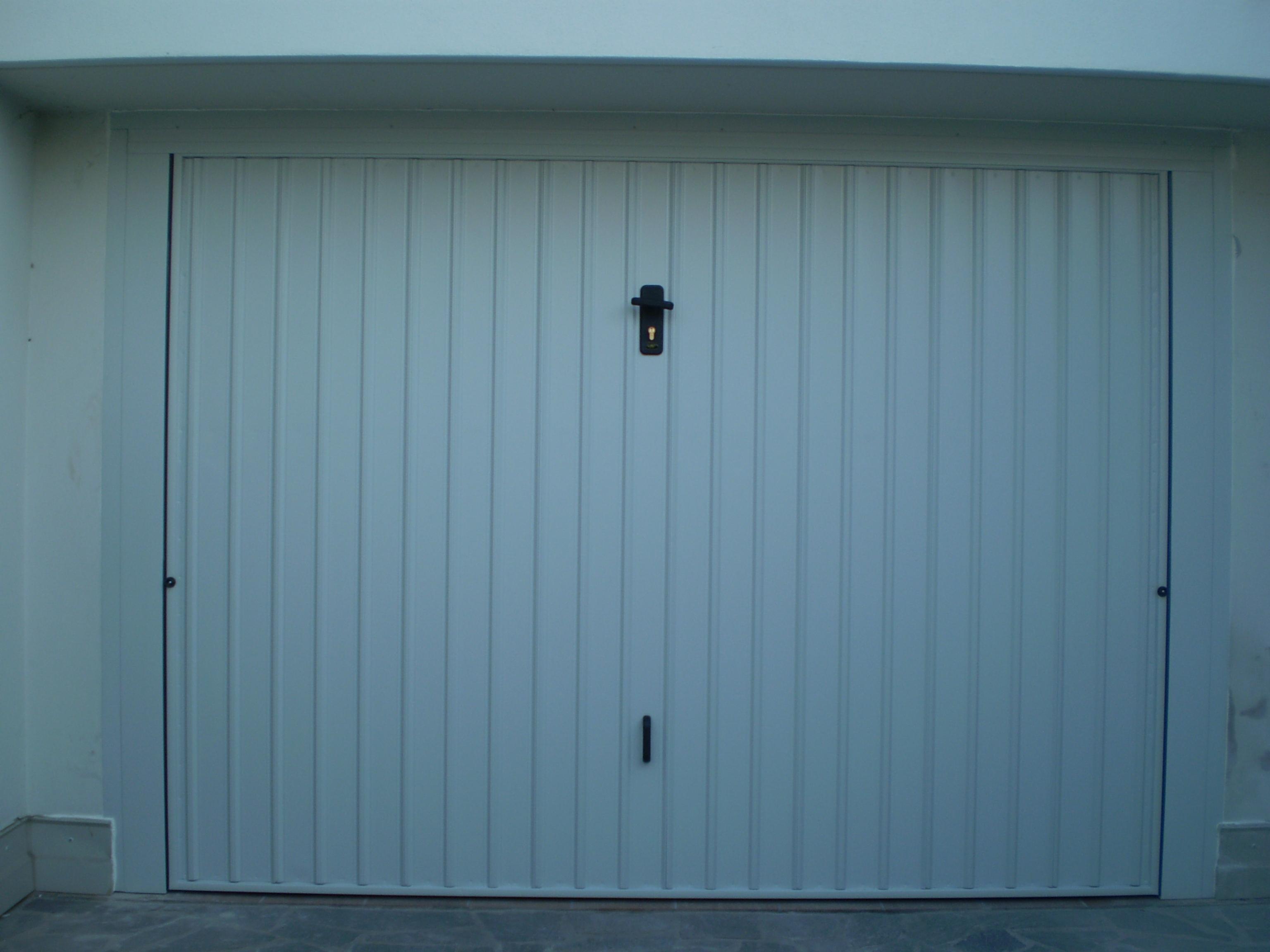 Mod albasia csc porte garage - Proteggere basculante garage ...